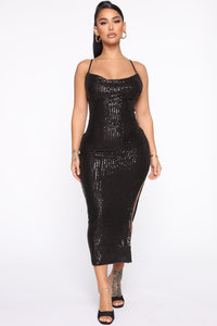 Stand Out Tonight Sequin Midi Dress - Black Angle 1