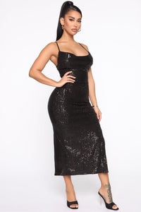 Stand Out Tonight Sequin Midi Dress - Black Angle 3