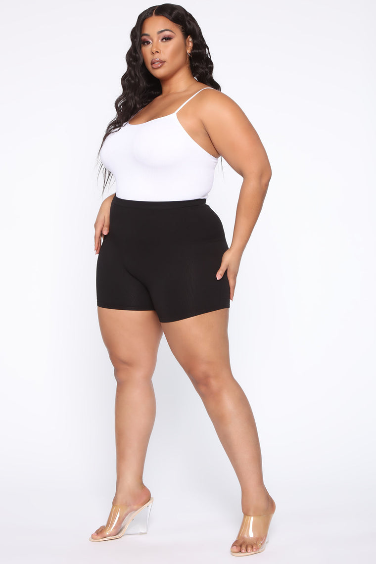 Uncomplicated Seamless Shorts - Black