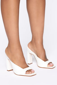 Late Notice Heeled Sandals - White