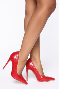 All About That Sass Pump - Red Angle 1