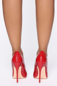 All About That Sass Pump - Red Angle 4