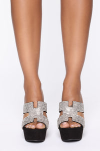 Pretty In Stones Wedges  - Black Angle 2