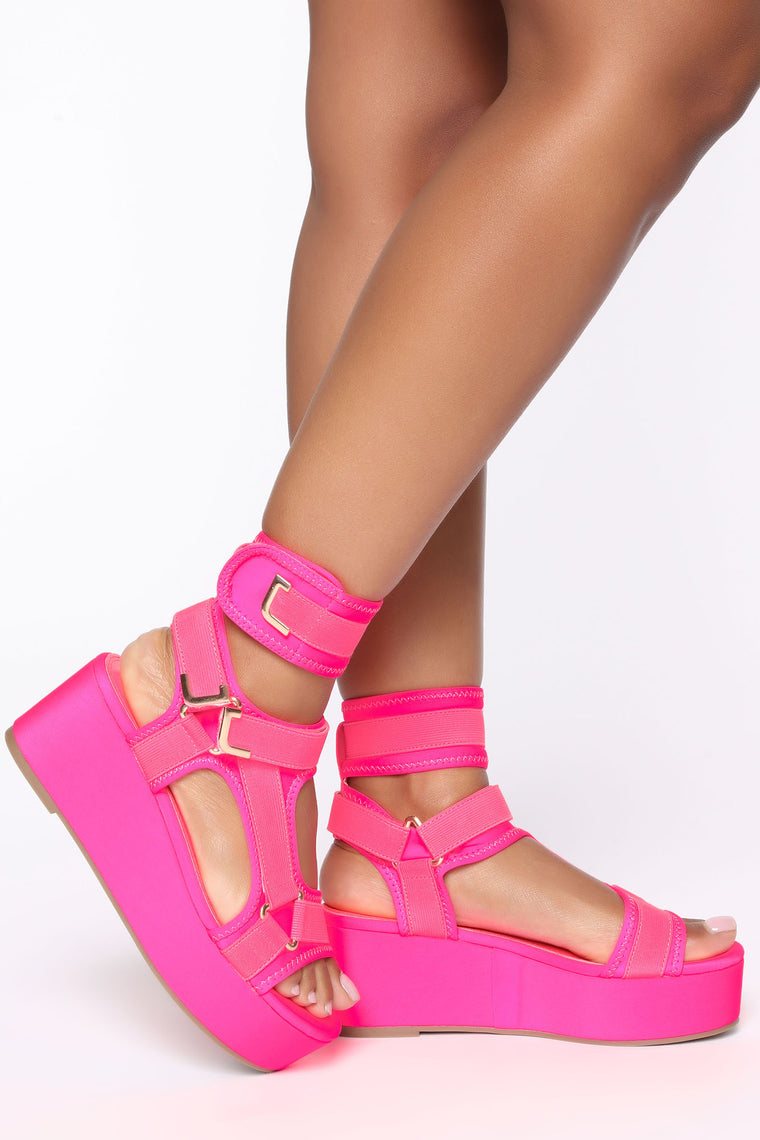Emotionless Flat Sandals - Neon Pink