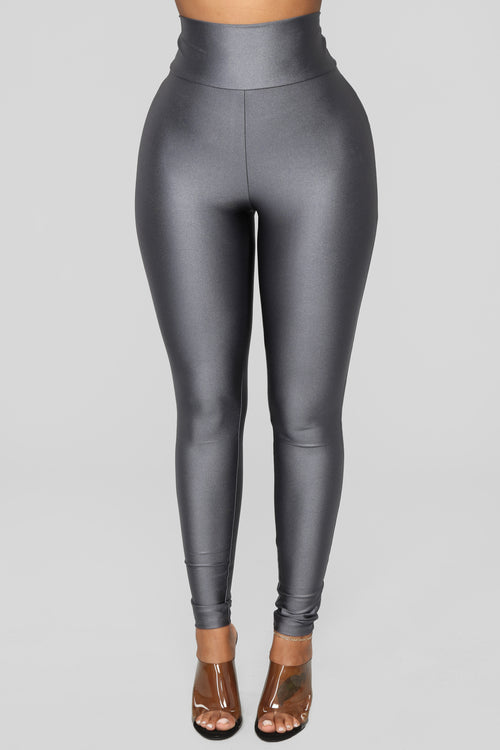 Focus On Me Ruched Leggings - Charcoal