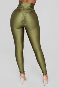 Focus On Me Ruched Leggings - Olive