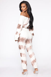 Blurred Lines Tie Dye Set - White/Brown Angle 5