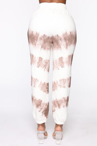 Blurred Lines Tie Dye Set - White/Brown Angle 8