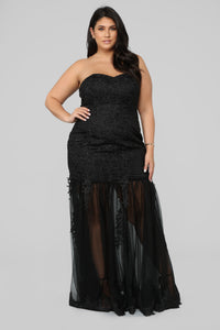 Leaving Them Stunned Lace Dress - Black