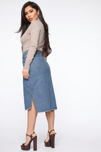 On The Rise Midi Denim Skirt - Medium Wash Angle 5