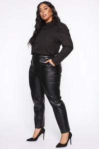 Counting Paper Faux Leather Pant - Black Angle 13
