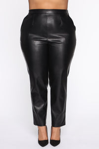 Counting Paper Faux Leather Pant - Black Angle 10