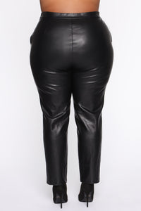Counting Paper Faux Leather Pant - Black Angle 11