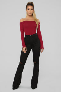 Samantha Off Shoulder Top - Burgundy
