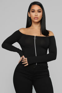 Never On Time Top - Black