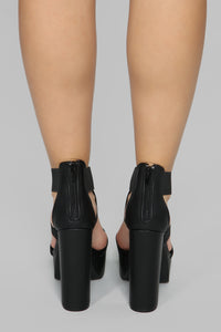 Thick Chick Heeled Sandal - Black