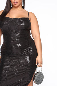 Stand Out Tonight Sequin Midi Dress - Black Angle 8
