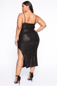 Stand Out Tonight Sequin Midi Dress - Black Angle 9