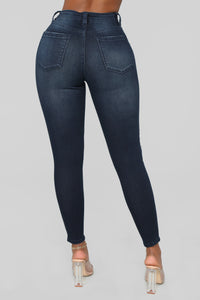 Walk Of Fame Ankle Jeans - Dark Wash Angle 7