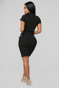 Cute Traveler Midi Dress - Black