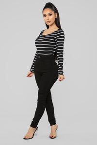 Sleek Striped Top - Black/White