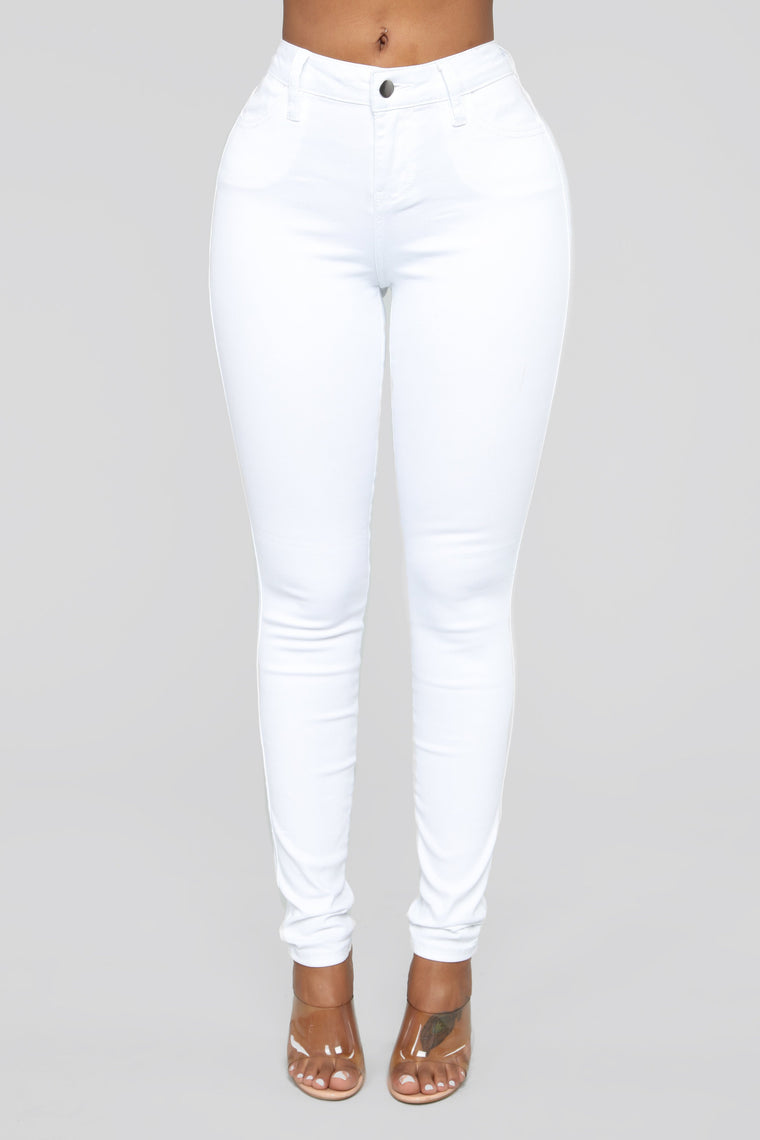 Classic Mid Rise Jeans Shorter Length - White