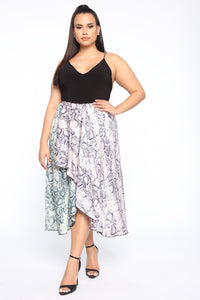 Adventure Of A Lifetime Midi Skirt - Pink