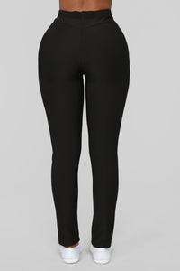 Not Your Average Booty Lifting Leggings - Black