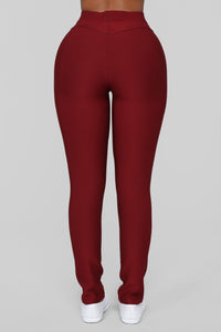 Not Your Average Booty Lifting Leggings - Burgundy