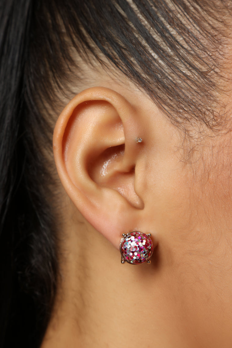 Stunning Stud Earrings - Fuchsia
