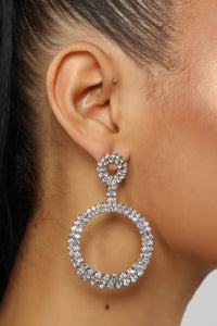 Keep It In The Circle Earrings - Silver Angle 3