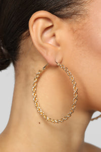 Twist The Truth Earrings - Gold