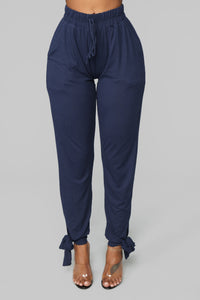 Stringing You Along Jogger - Navy