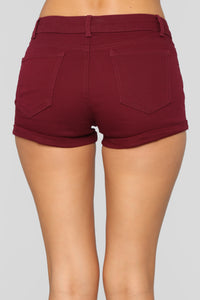 Hey There Cuffed Shorts - Burgundy