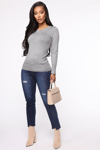 The Crew Neck Classic Sweater - Heather Grey Angle 2