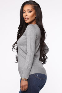 The Crew Neck Classic Sweater - Heather Grey Angle 3