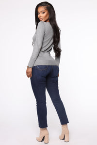 The Crew Neck Classic Sweater - Heather Grey Angle 5