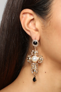 One And Only Pearl Earrings - Gold