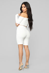 Push More Buttons Ribbed Set - Ivory
