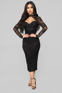 Beautiful Dreams Lace Midi Dress - Black