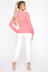The Crew Neck Classic Sweater - Rose Angle 5