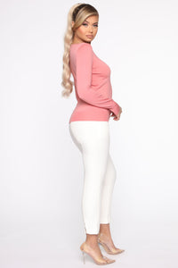 The Crew Neck Classic Sweater - Rose Angle 4