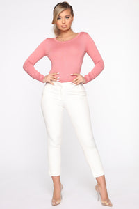 The Crew Neck Classic Sweater - Rose Angle 2