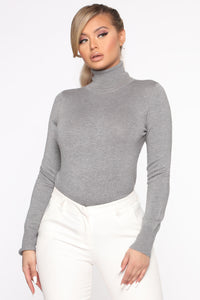 Kylie Ribbed Turtleneck Sweater - Heather Grey Angle 1