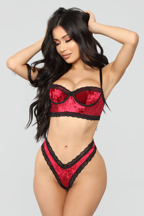Lingerie set 3 pc uk