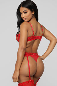 Innocent Touch 3 Piece Set - Red Angle 6