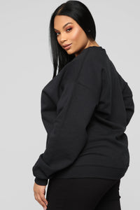 Thick Thighs Save Lives Sweatshirt - Black/Red Angle 9