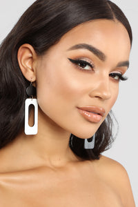 Rolling Down The Block Earrings - Black/White Angle 3