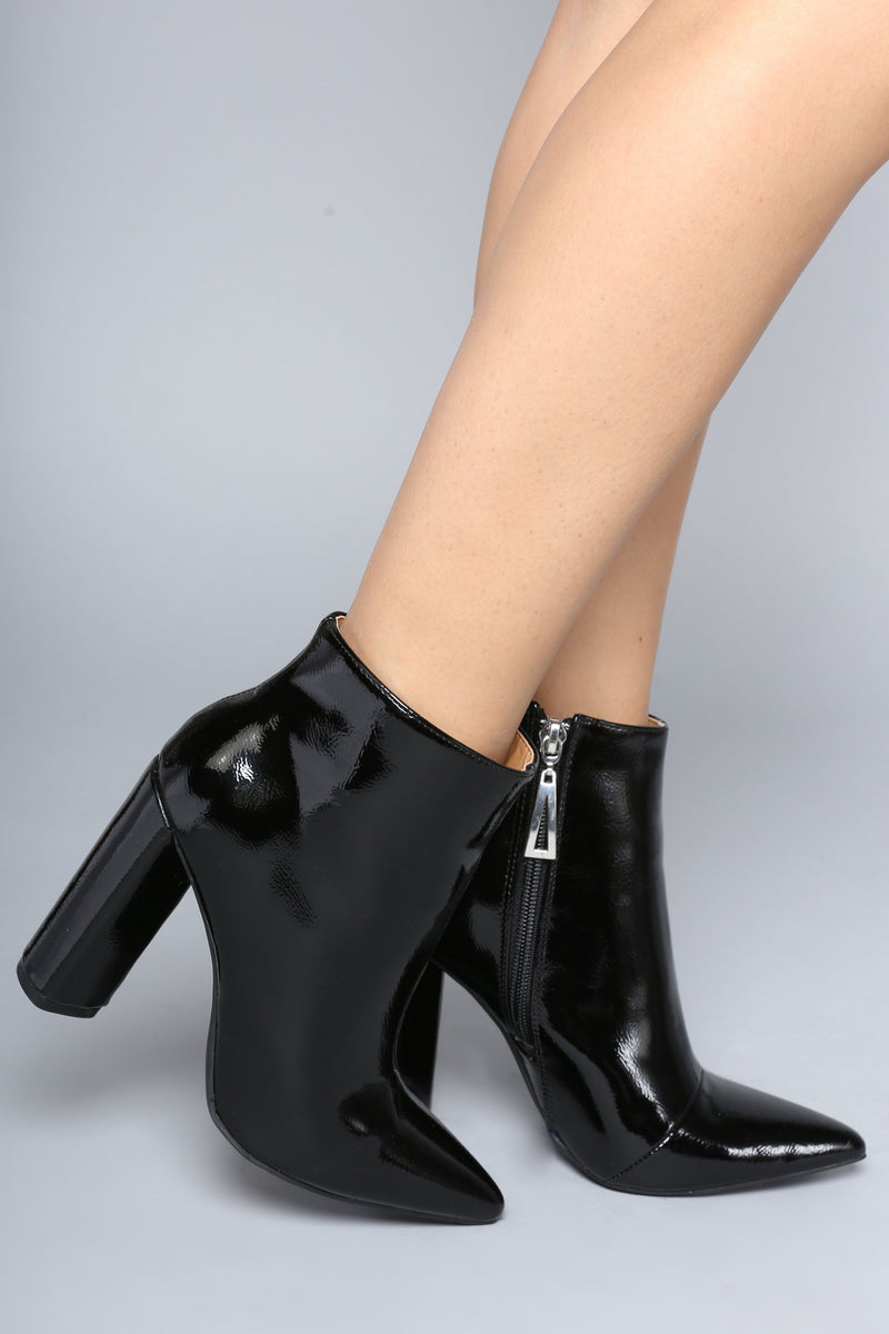 I'm Glossy Bootie - Black