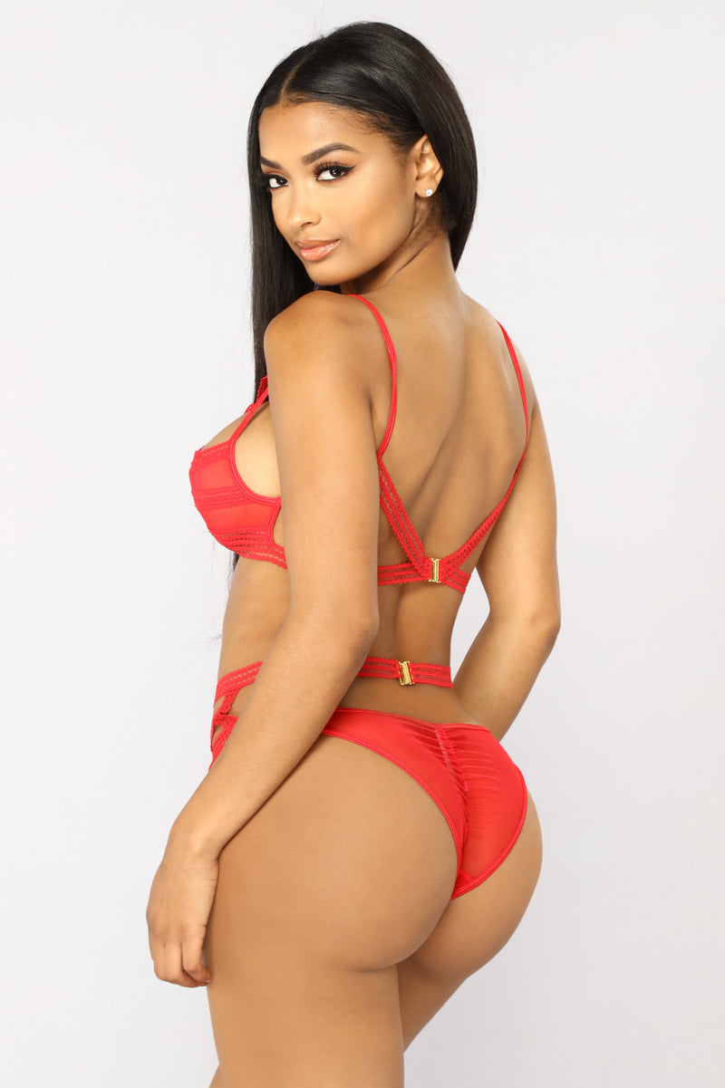 Desire 2 Piece Set - Red